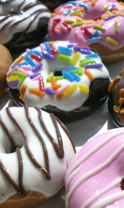 donuts_sweet_glaze_chocolate_nuts_45096_480x800