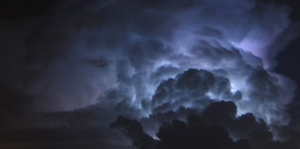 storm-clooud