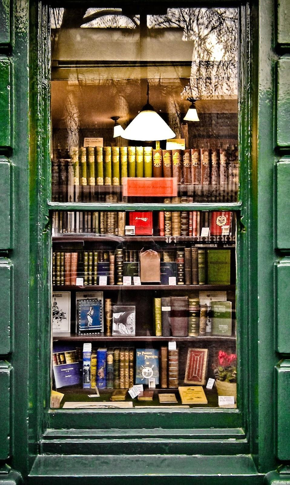 CC bookshop-window Garry Knight
