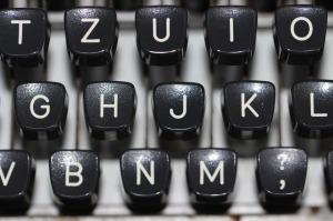 typewriter-1227357_1280