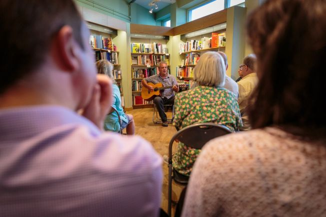 David_Calcutt_Waterstones_2018-06-28_18-02-35_0005_preview@waynefoxphotography